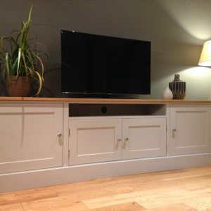 SOLID PINE & OAK TV UNIT