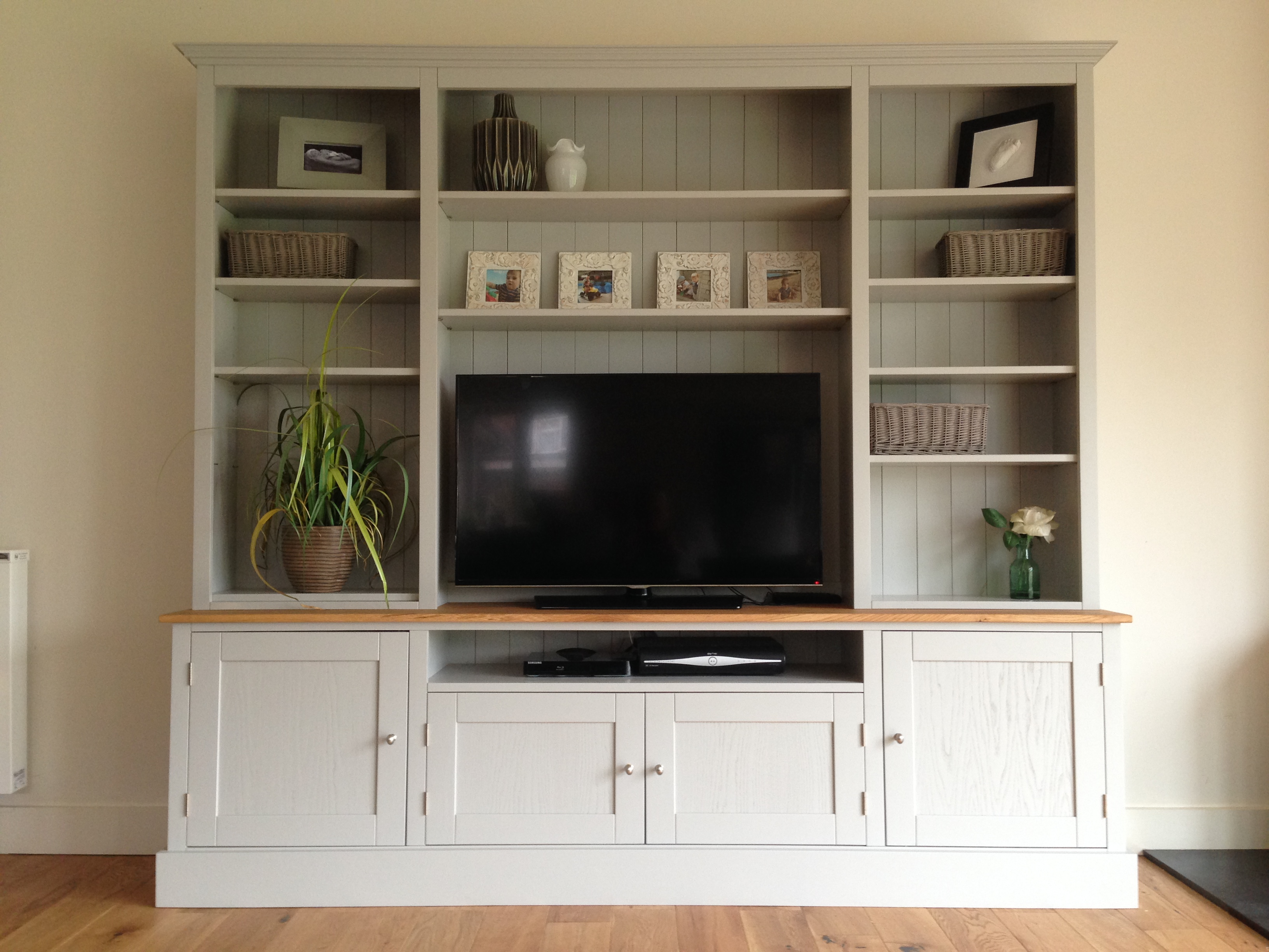 Georgeous 7ft Painted Tv Unit Dresser Nest At Number 20